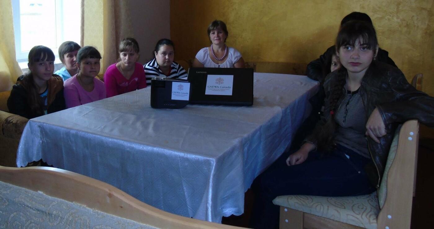 Франківський Карітас придбав побутову та відеотехніку для структур самодопомоги молоді з інвалідністю, що діють на Прикарпатті. ФОТО, фото-5