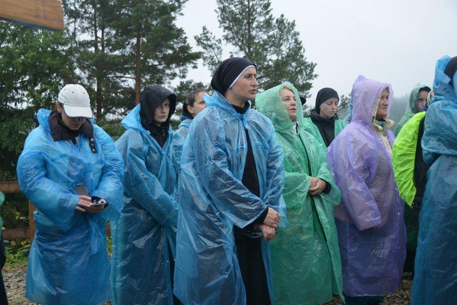 «Гора мучеників» на Прикарпатті офіційно стала місцем паломництва. ФОТО, фото-7