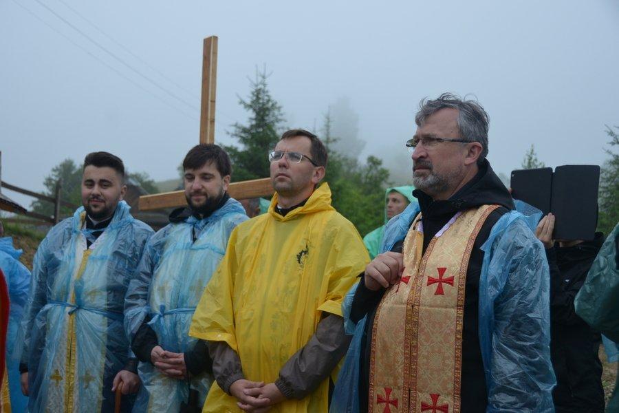 «Гора мучеників» на Прикарпатті офіційно стала місцем паломництва. ФОТО, фото-2
