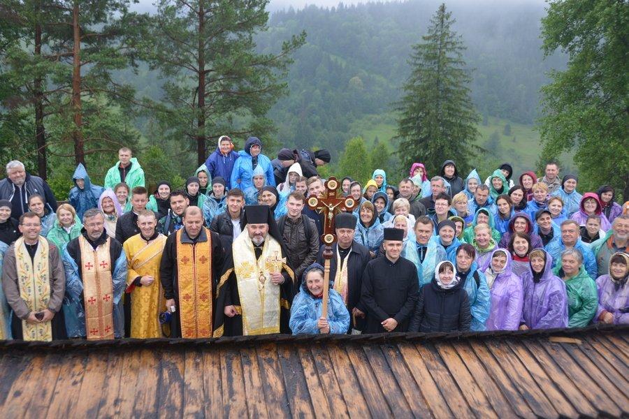 «Гора мучеників» на Прикарпатті офіційно стала місцем паломництва. ФОТО, фото-10