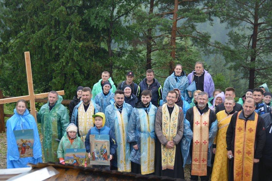 «Гора мучеників» на Прикарпатті офіційно стала місцем паломництва. ФОТО, фото-11