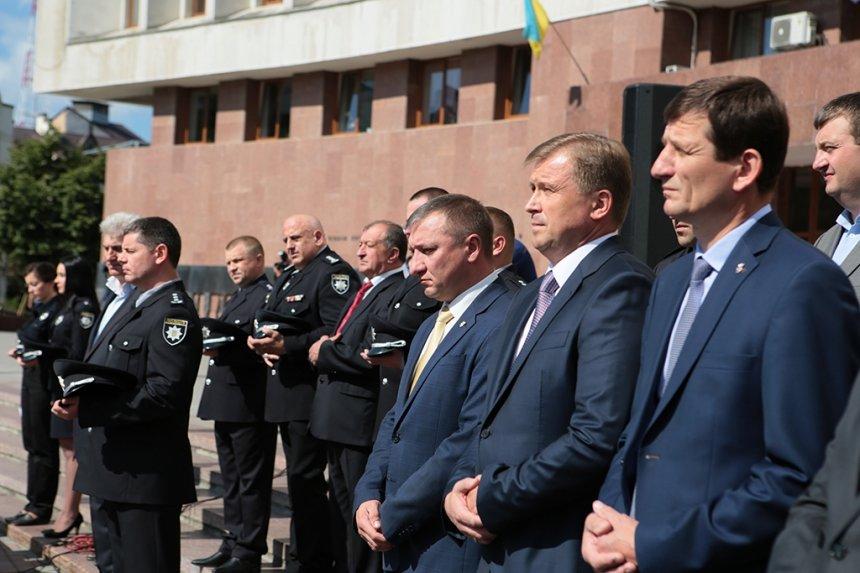 Прикарпатських поліцейських під Білим домом привітали із професійним святом. ФОТО, фото-3
