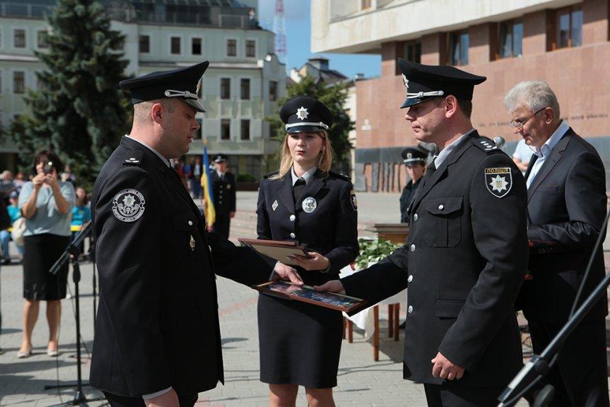 Прикарпатських поліцейських під Білим домом привітали із професійним святом. ФОТО, фото-1