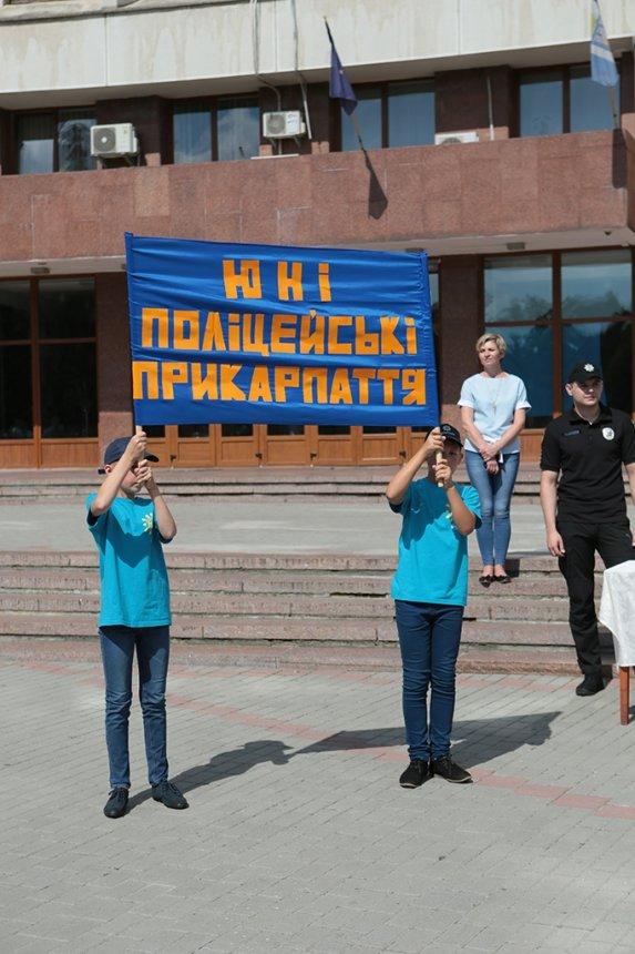 Прикарпатських поліцейських під Білим домом привітали із професійним святом. ФОТО, фото-11
