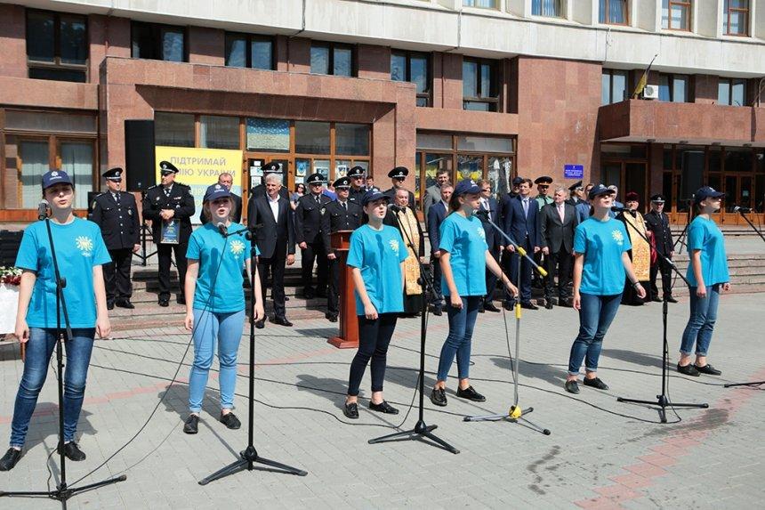 Прикарпатських поліцейських під Білим домом привітали із професійним святом. ФОТО, фото-17