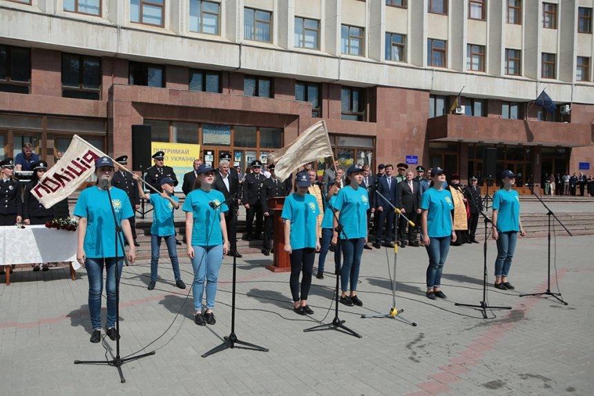 Прикарпатських поліцейських під Білим домом привітали із професійним святом. ФОТО, фото-20