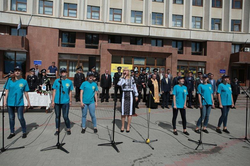 Прикарпатських поліцейських під Білим домом привітали із професійним святом. ФОТО, фото-16