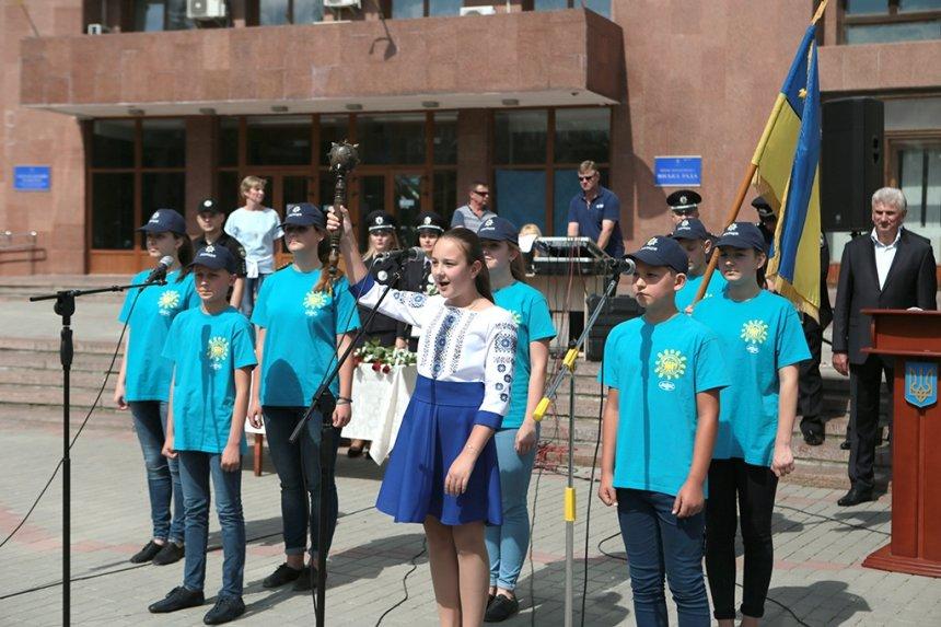 Прикарпатських поліцейських під Білим домом привітали із професійним святом. ФОТО, фото-12