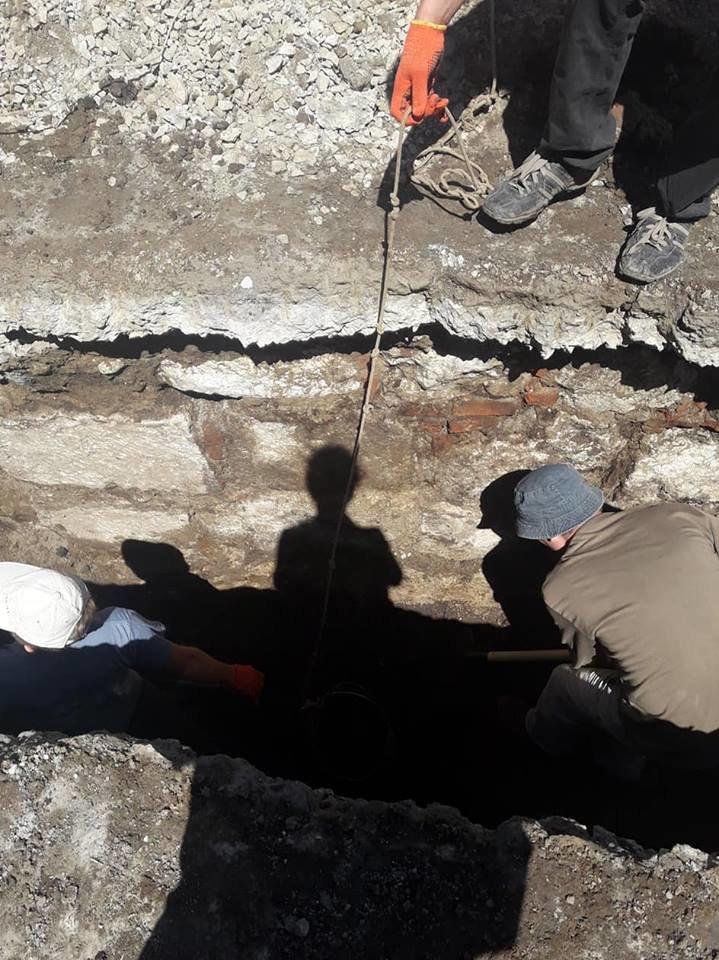 """""""Історична гаряча точка"""". У середмісті Франківська розкопують залишки Тисменицької брами. ФОТО, фото-2"""