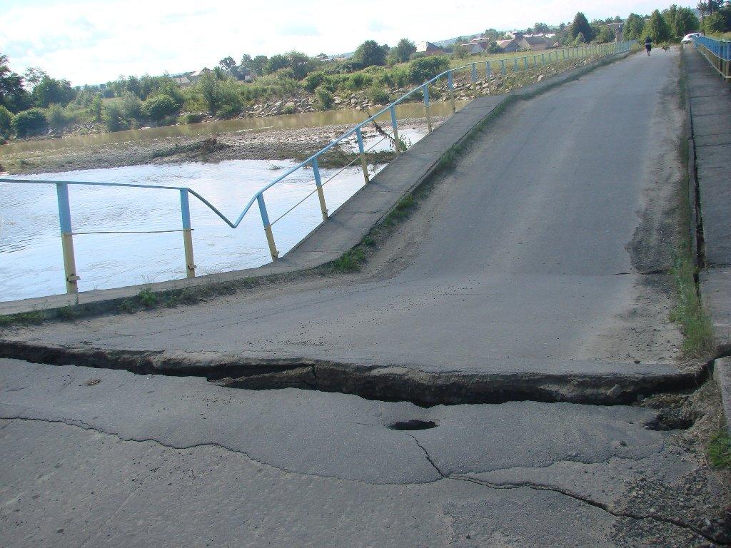 На Калущині негода зруйнувала міст між селами. ФОТО, фото-2