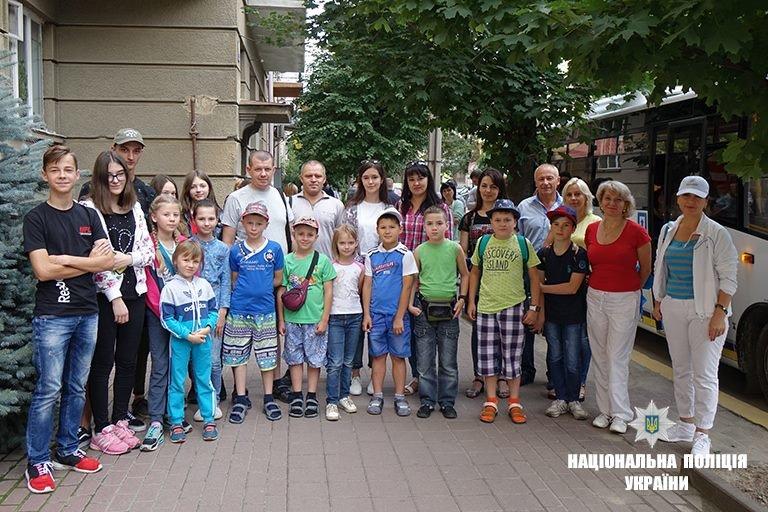 Діти прикарпатських поліцейських поїхали на оздоровлення до Чорного моря. ФОТО, фото-2