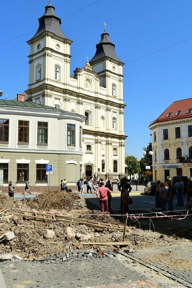 В середмісті Франківську розкопали унікальну браму. ФОТО, фото-1