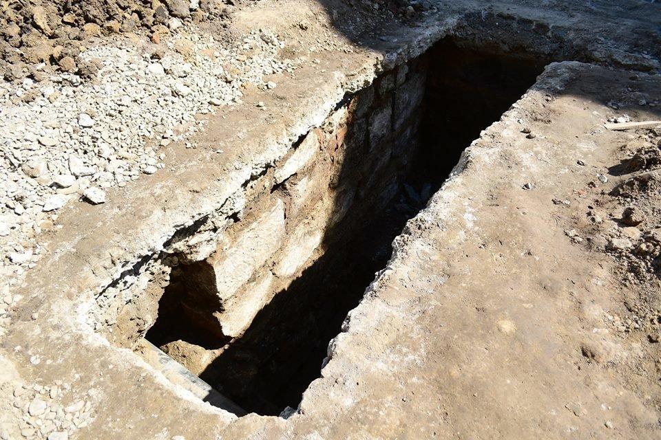 В середмісті Франківську розкопали унікальну браму. ФОТО, фото-2