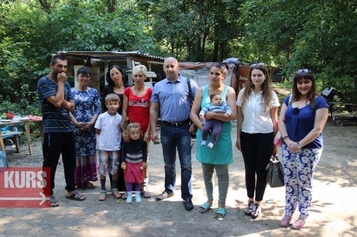 40 ромів живуть на березі Бистриці у Франківську. ВІДЕО, фото-1