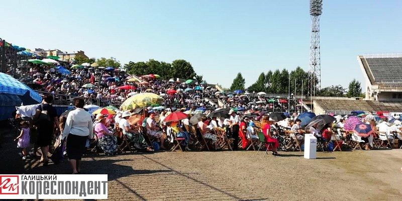 Тисячі Свідків Єгови зібралися на конгрес у Франківську. ФОТО, фото-5