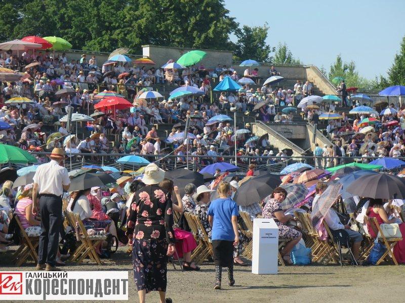 Тисячі Свідків Єгови зібралися на конгрес у Франківську. ФОТО, фото-15