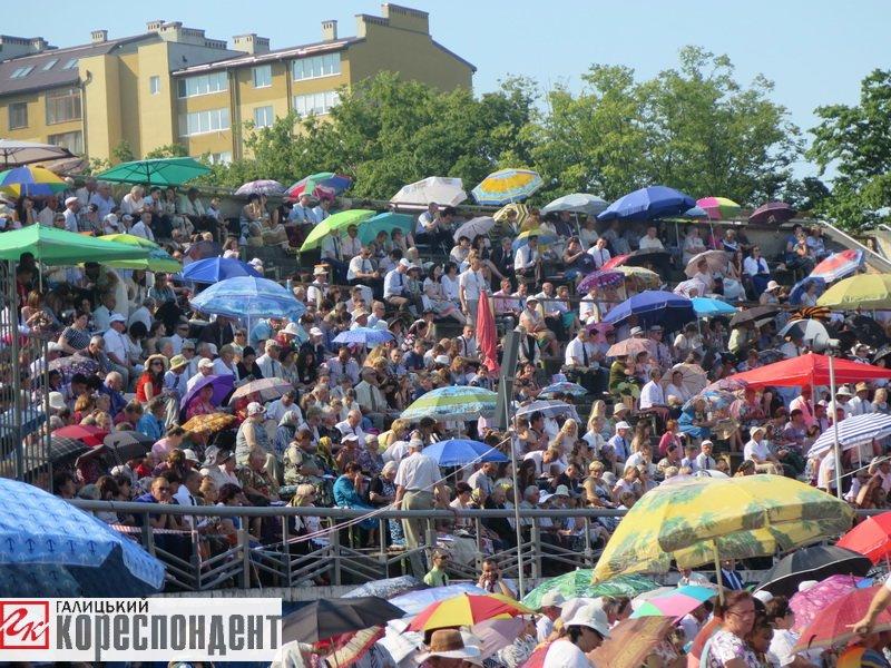 Тисячі Свідків Єгови зібралися на конгрес у Франківську. ФОТО, фото-16