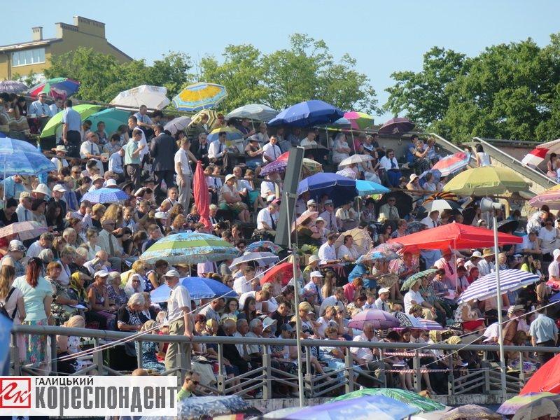 Тисячі Свідків Єгови зібралися на конгрес у Франківську. ФОТО, фото-19