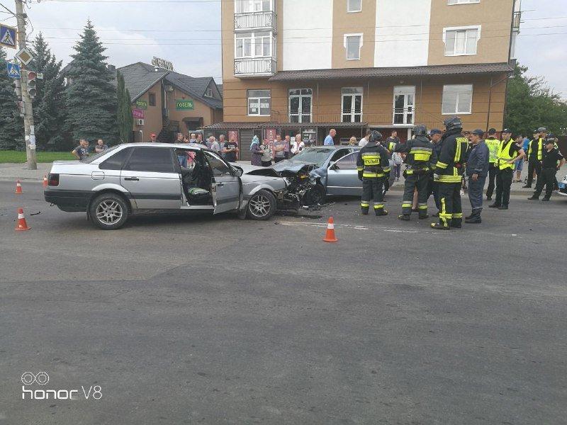 ДТП У Франківську: людину затисло в авто. ФОТО. ОНОВЛЕНО, фото-3