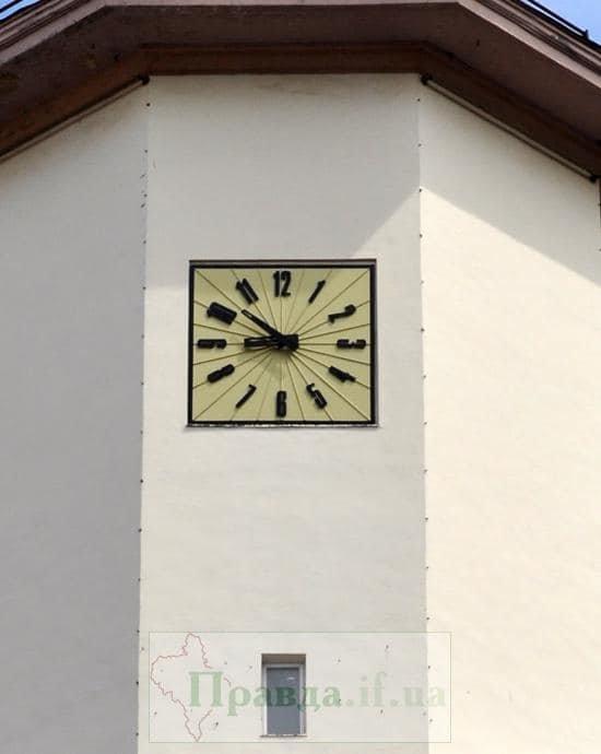 Не на стилі. Новий годинник на Ратуші подобається не всім. ФОТО, фото-1