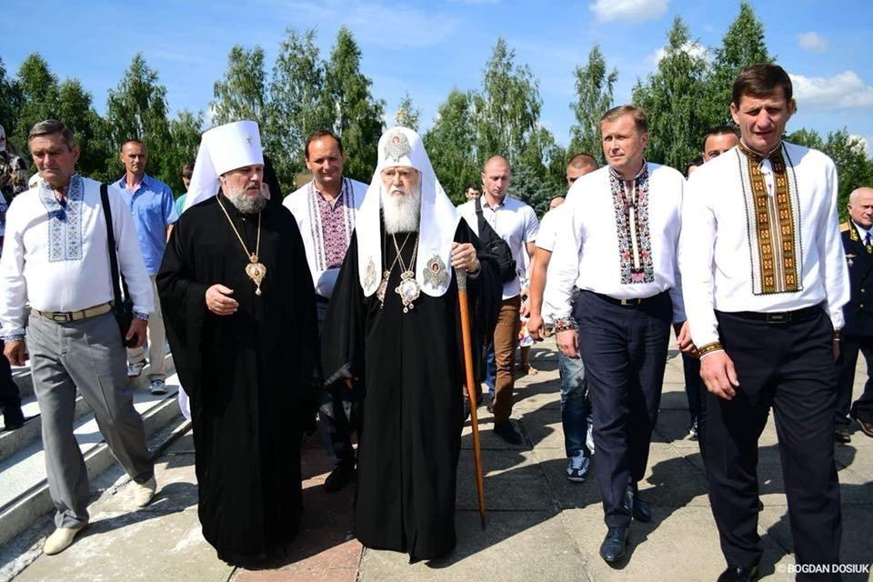 У Дем'яновому Лазі Патріарх Філарет вшанував пам'ять жертв політичних репресій. ФОТО, фото-9