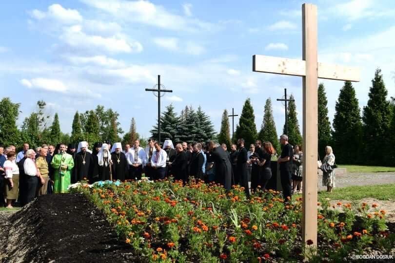 У Дем'яновому Лазі Патріарх Філарет вшанував пам'ять жертв політичних репресій. ФОТО, фото-10