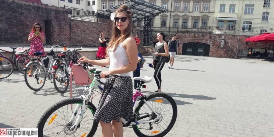 Пін-ап на роверах: велопарад дівчат у Франківську. ФОТО, фото-10