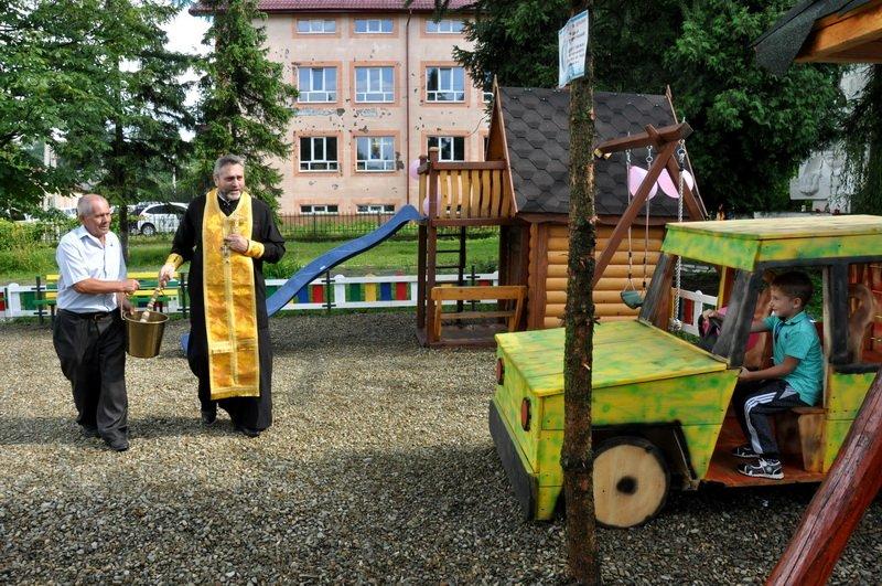 На Тисмениччині відкрили новий дитячий майданчик. ФОТО, фото-3