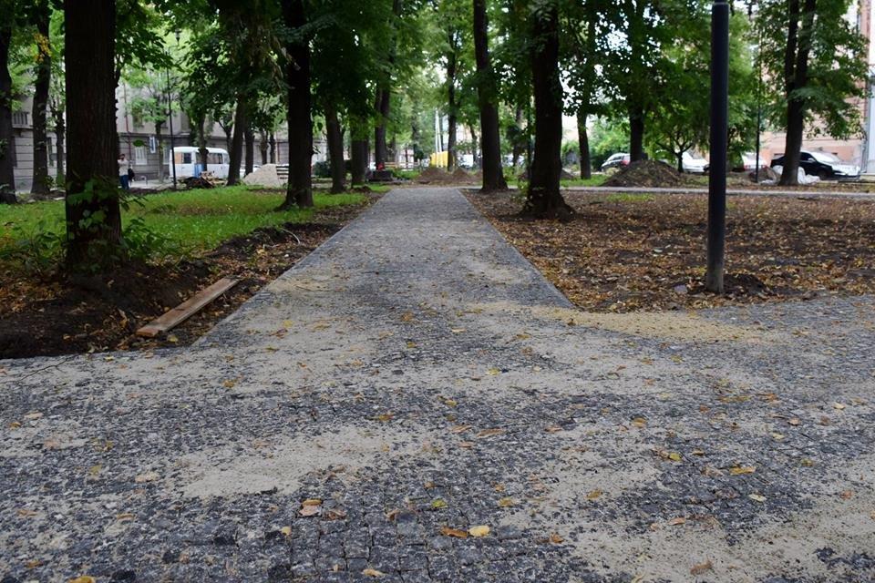 На Грюнвальдській реконструюють сквер. ФОТО, фото-1