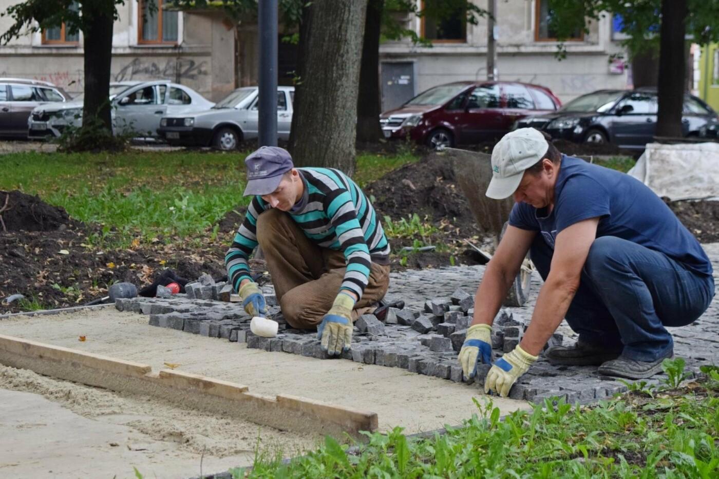 На Грюнвальдській реконструюють сквер. ФОТО, фото-4
