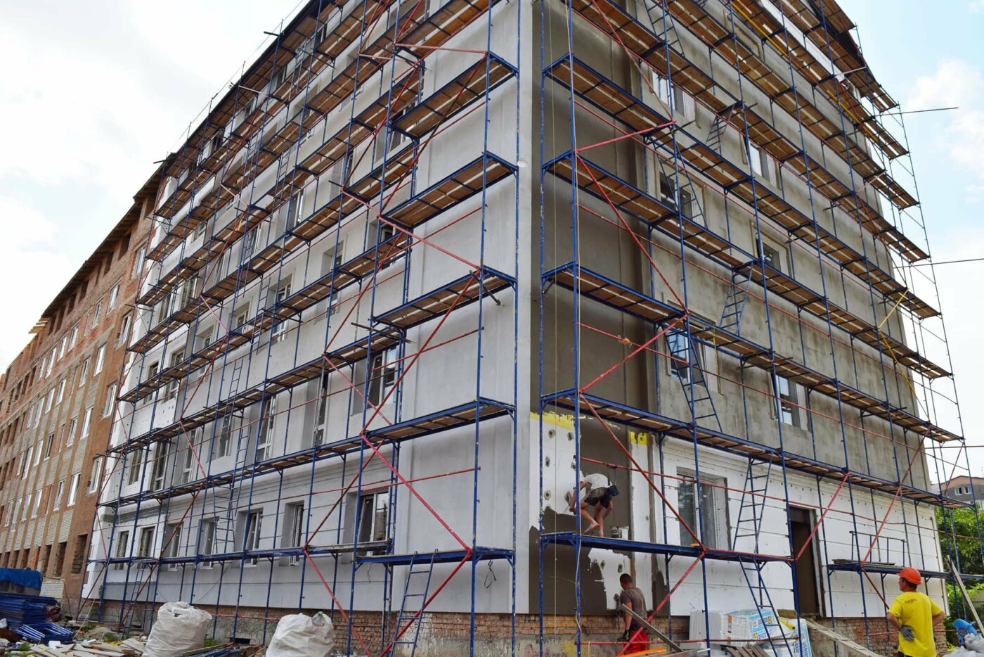 У Франківську ремонтують будівлю важливого призначення. ФОТО, фото-5