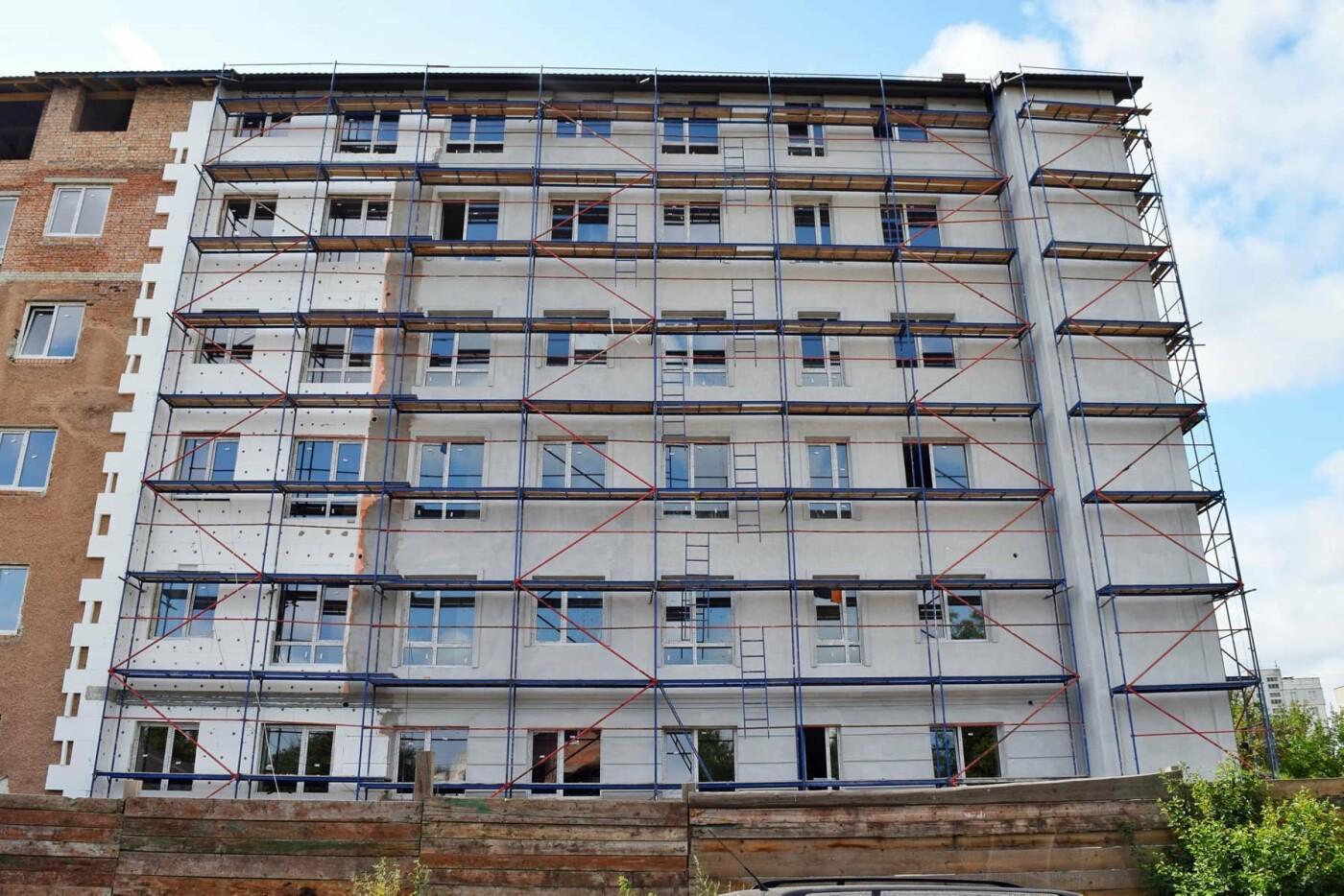 У Франківську ремонтують будівлю важливого призначення. ФОТО, фото-4