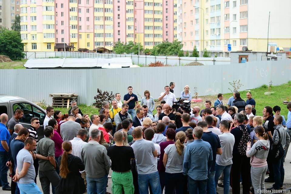 Міський голова зустрівся з протестувальниками з Пасічної. ФОТО , фото-1