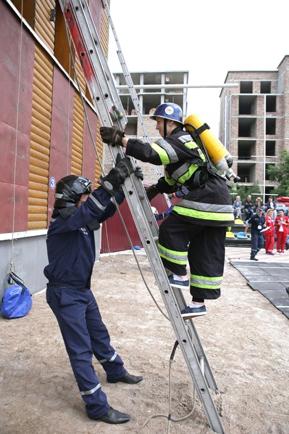 На Прикарпатті визначили найкращого пожежного-рятувальника. ФОТО , фото-6