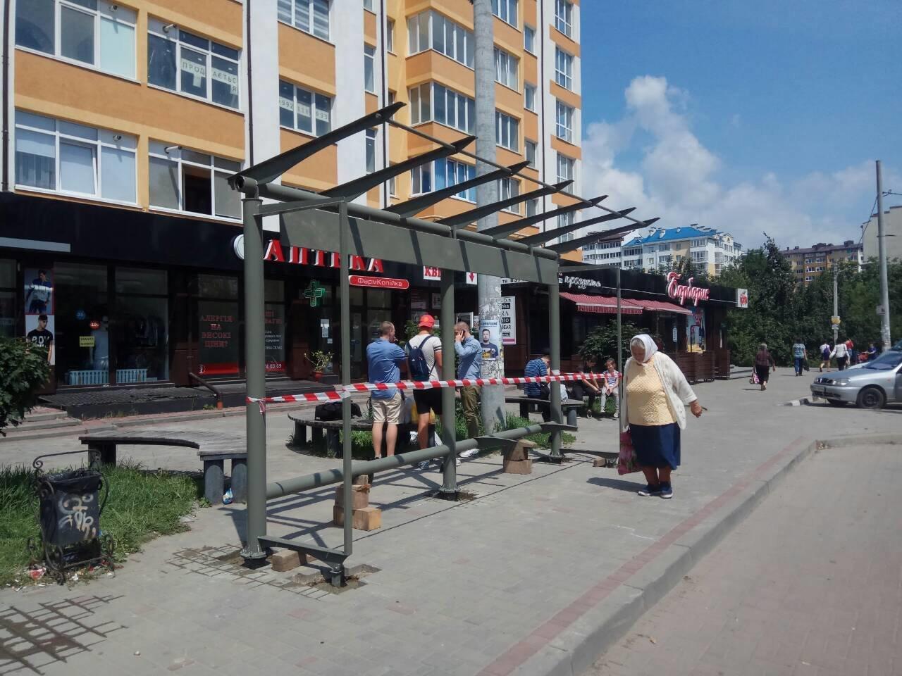 У Франківську - на три сучасні зупинки стало більше. ФОТО, фото-2