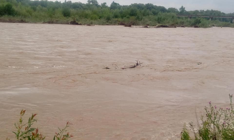 Велика вода вчорашнього дня на Прикарпатті. ФОТО, фото-1