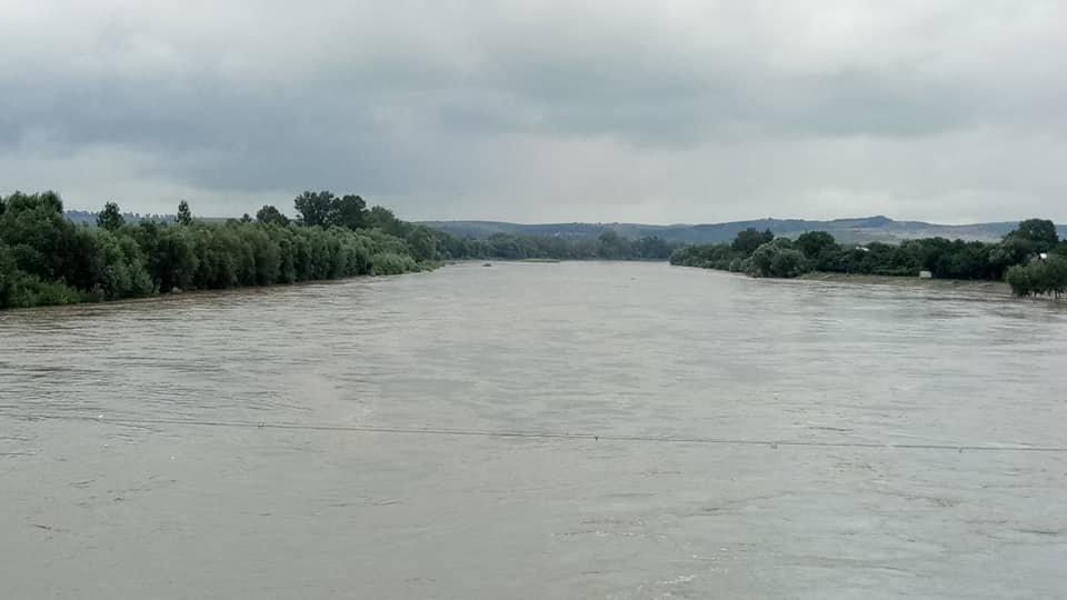 Через сильні дощі розливаються Луква та Лімниця. ФОТО, фото-3