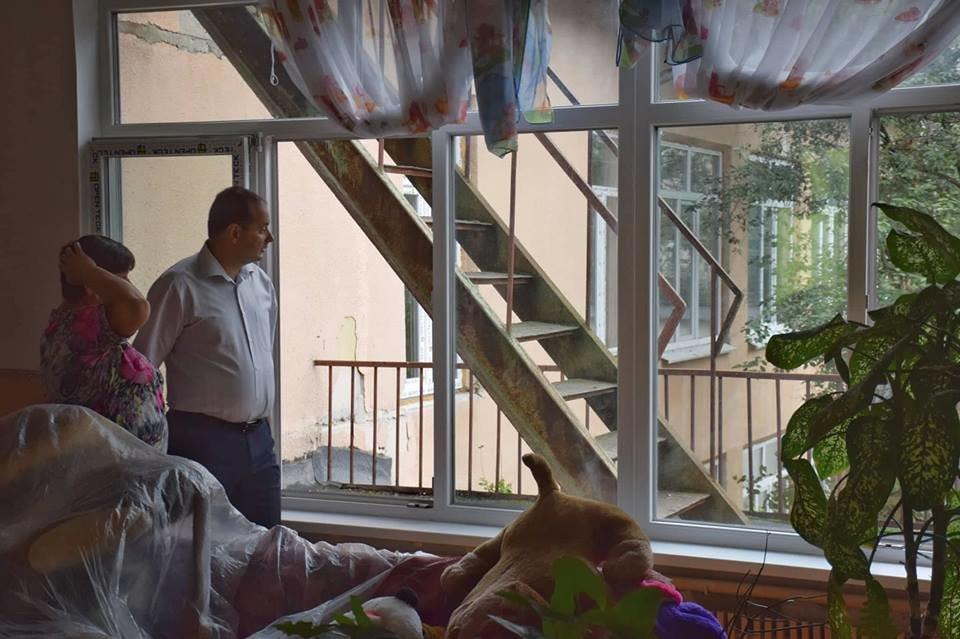 """""""Карпатська казка"""" стане теплішою: облаштовують фасад. ФОТО, фото-4"""