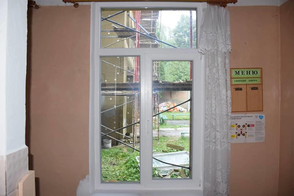 """""""Карпатська казка"""" стане теплішою: облаштовують фасад. ФОТО, фото-2"""