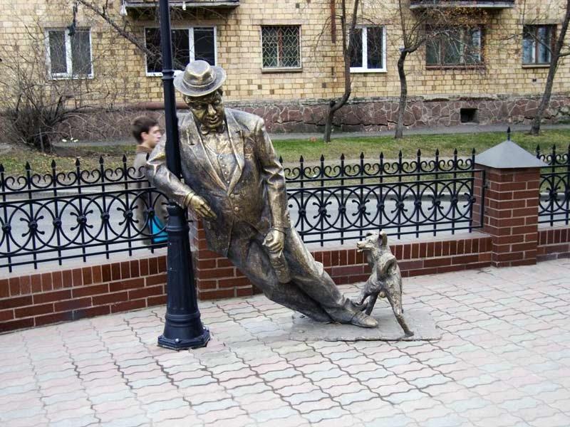На Привокзальній площі пропонують встановити пам'ятники... п'яницям. ФОТО, фото-3