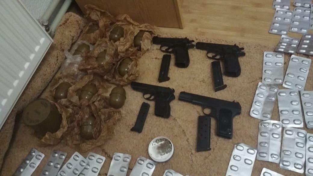 """Наркотиків та зброї на мільйон: правоохоронці """"прикрили"""" бізнес братів у Калуші. ФОТО, фото-6"""