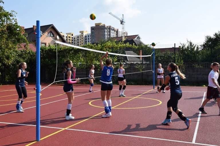 В школі №15 Івано-Франківська зробили новий спортивний майданчик. ФОТО, фото-1