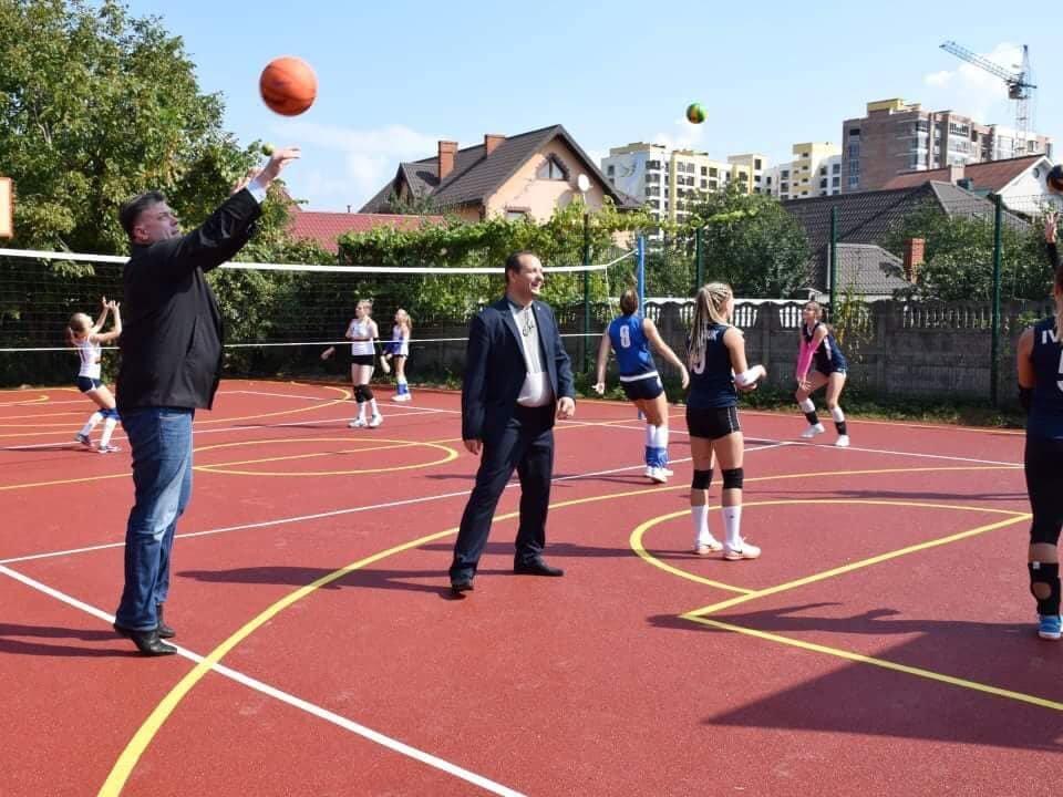 В школі №15 Івано-Франківська зробили новий спортивний майданчик. ФОТО, фото-4
