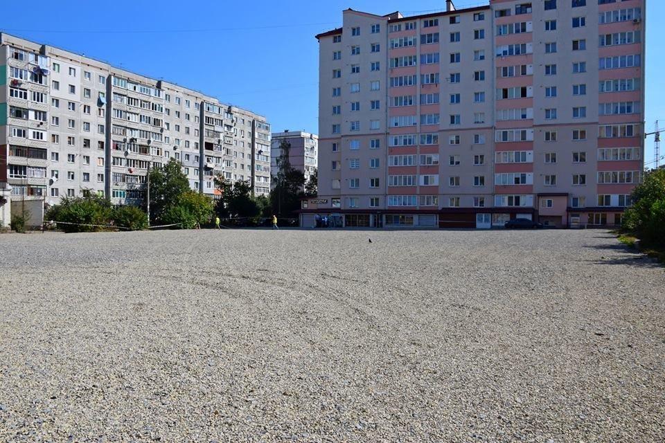 У Франківську будують великий спортивний майданчик. ФОТО, фото-2