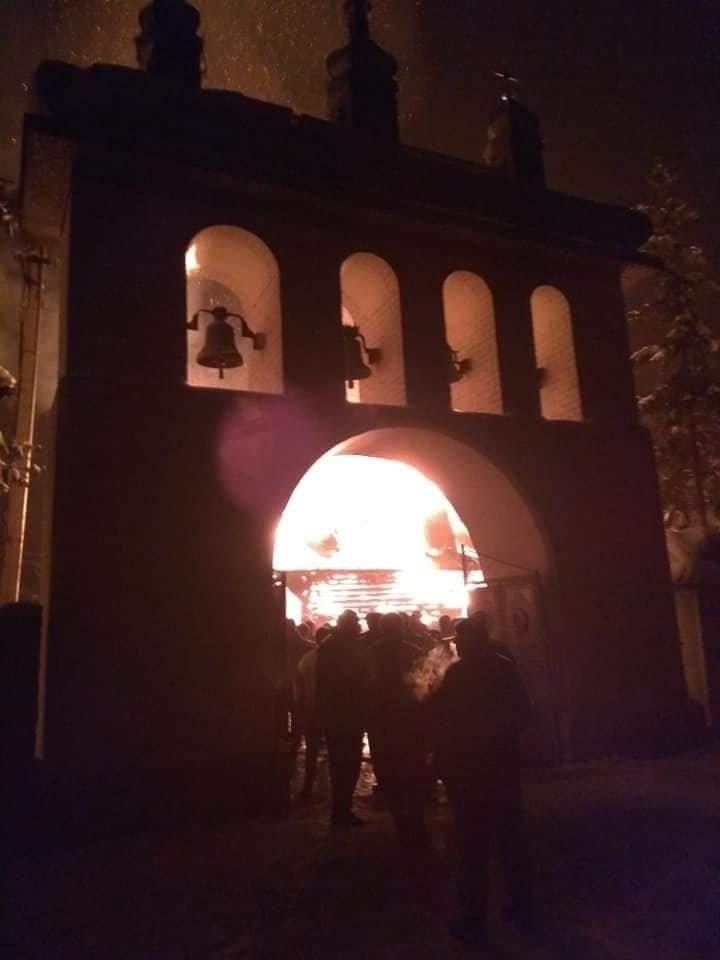 У Рожнові вщент згоріла церква Архистратига Михаїла (ФОТО, ВІДЕО), фото-3