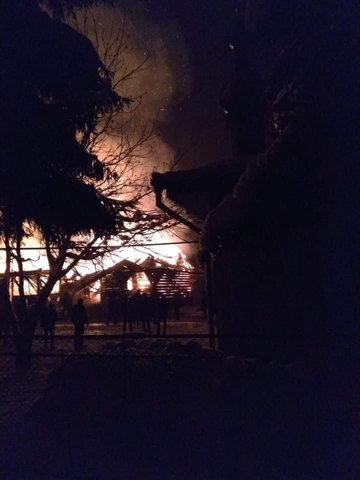У Рожнові вщент згоріла церква Архистратига Михаїла (ФОТО, ВІДЕО), фото-4