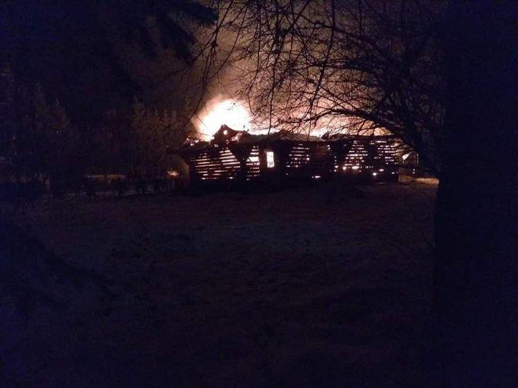 У Рожнові вщент згоріла церква Архистратига Михаїла (ФОТО, ВІДЕО), фото-2