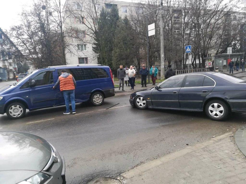 Потрійне ДТП трапилося на одній з вулиць Івано-Франківська. ФОТО, фото-4