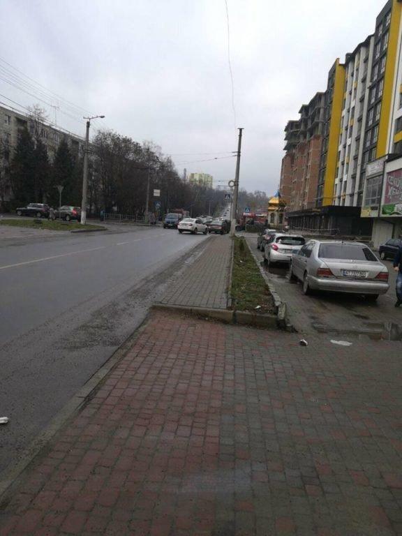 Потрійне ДТП трапилося на одній з вулиць Івано-Франківська. ФОТО, фото-1