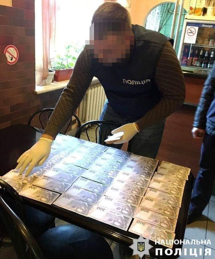 Одного з керівників Франківська затримали на хабарі у 32 тисячі, фото-1